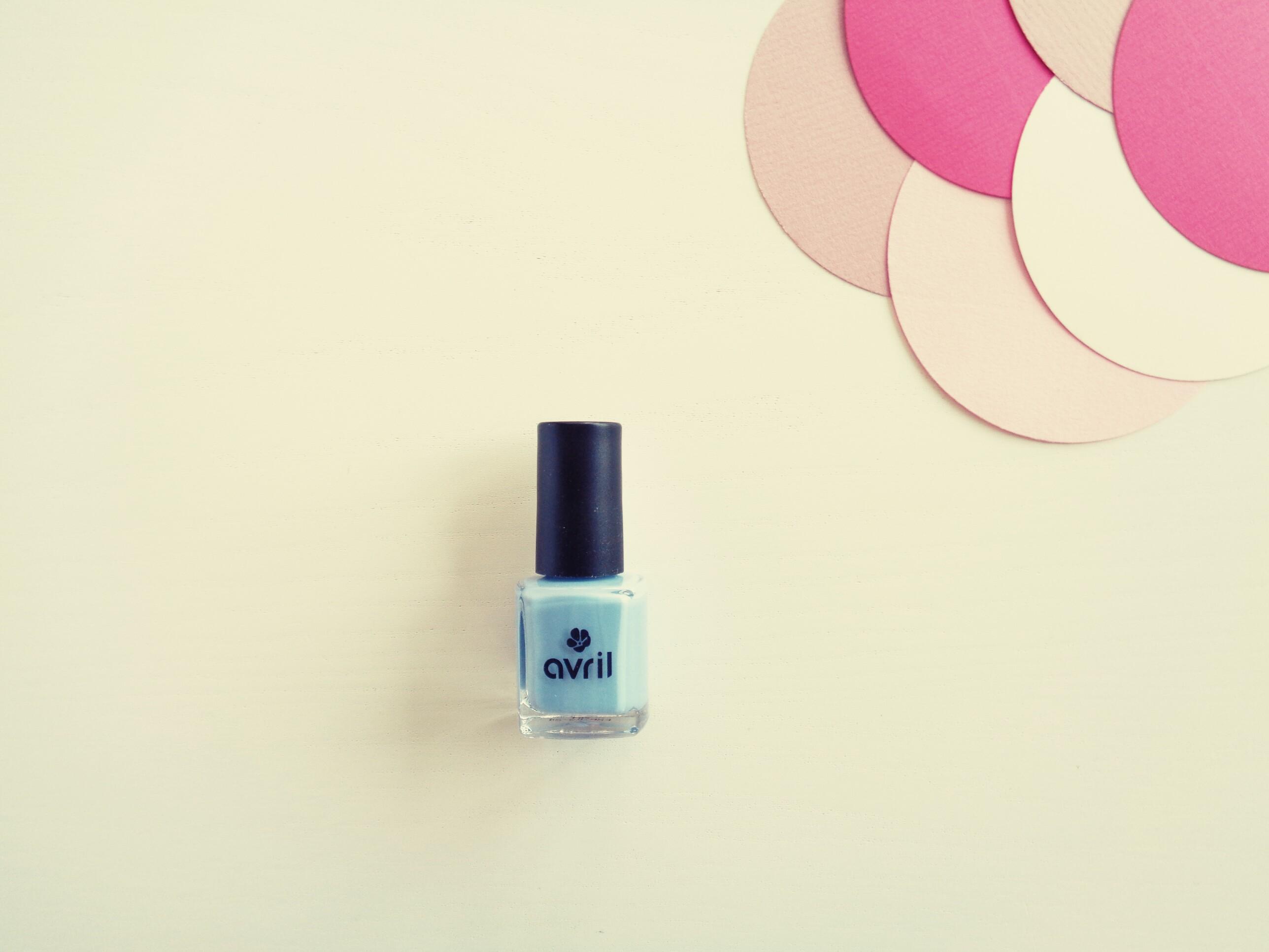 Avril – Vernis (Bleu Layette n°630 )